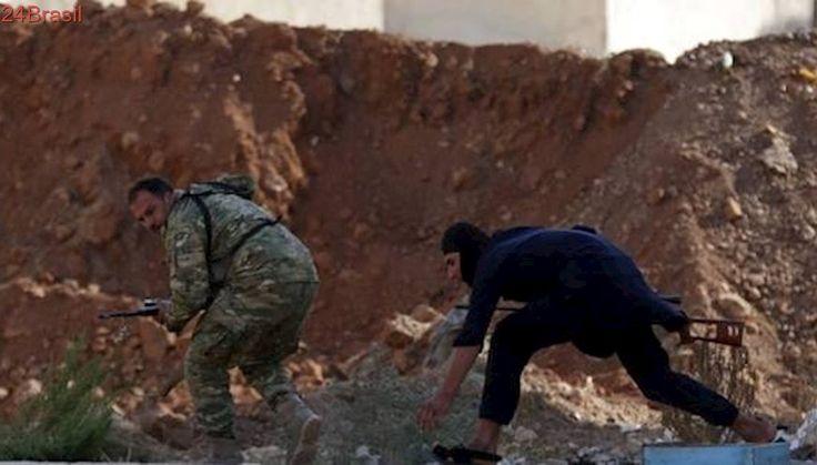 Exército da Síria cerca bastião de grupo extremista, diz TV Al-Manar