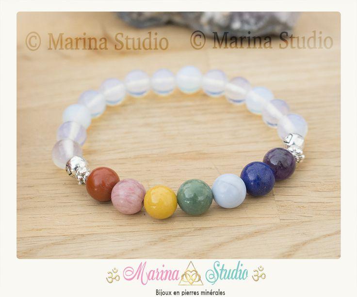 Bracelet des 7 chakras en opale avec lapis lazuli, améthyste, agate bleue, mookaite, rhodonite et jaspe rouge et perles : Bracelet par marina-studio-bijoux-en-pierres-minerales