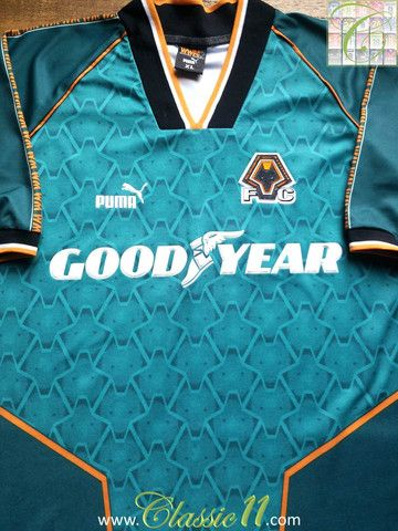 Relive Wolverhampton Wanderers' 1996/1997 season with this vintage Puma away football shirt.