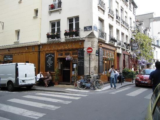 Au Bougnat - 26 rue Chanoinesse, 75004 Paris, France (Hôtel-de-Ville)