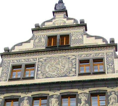 Town Hall, Klatovy, Czech Republic - Sgraffiti is a style of decorating walls by scratching through one layer of plaster to expose a different colored layer underneath. See more - http://www.gypsynester.com/klatovy.htm #travel #czech #art