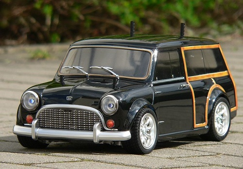 classic mini austin countryman rides pinterest. Black Bedroom Furniture Sets. Home Design Ideas