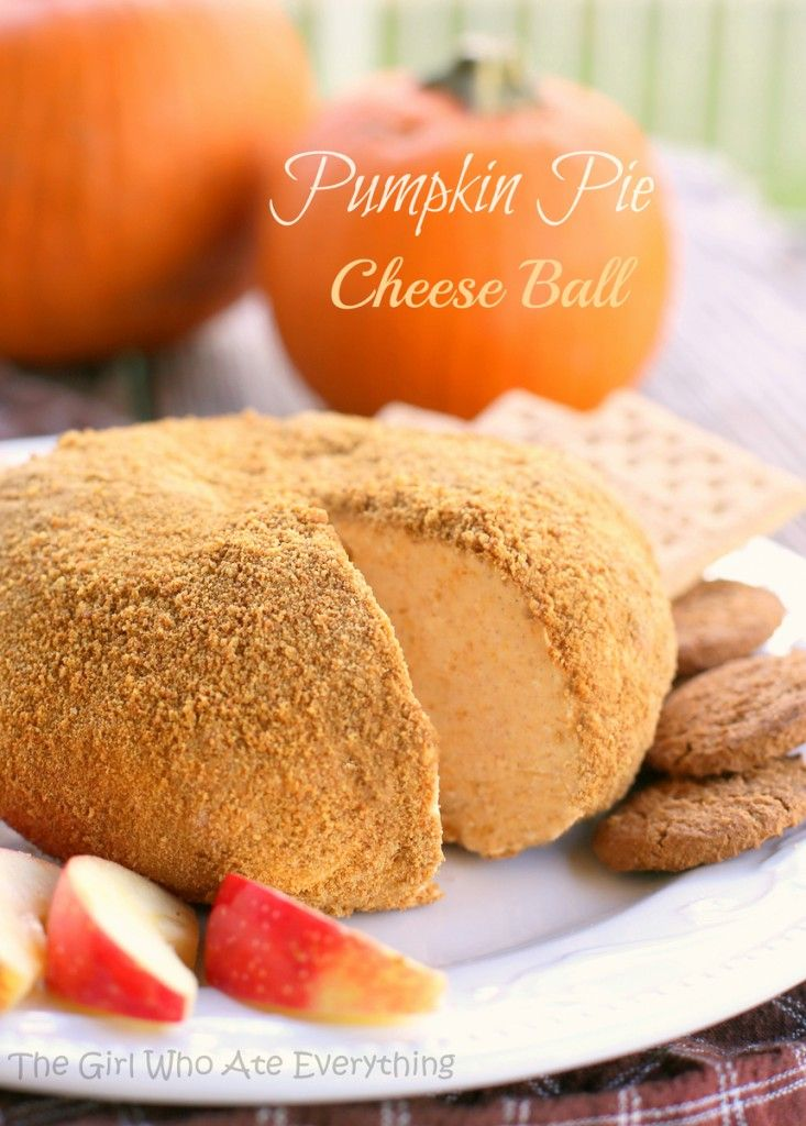 """Pumpkin Pie """"Cheese"""" Ball. Eat it with graham crackers and has the perfect pumpkin pie flavor. {The Girl Who Ate Everything}"""