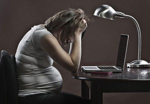 Sono incinta! E adesso...?! Niente panico: il nostro breve vademecum per comunicare la gravidanza al datore di lavoro, scongiurando tensioni e insicurezze.