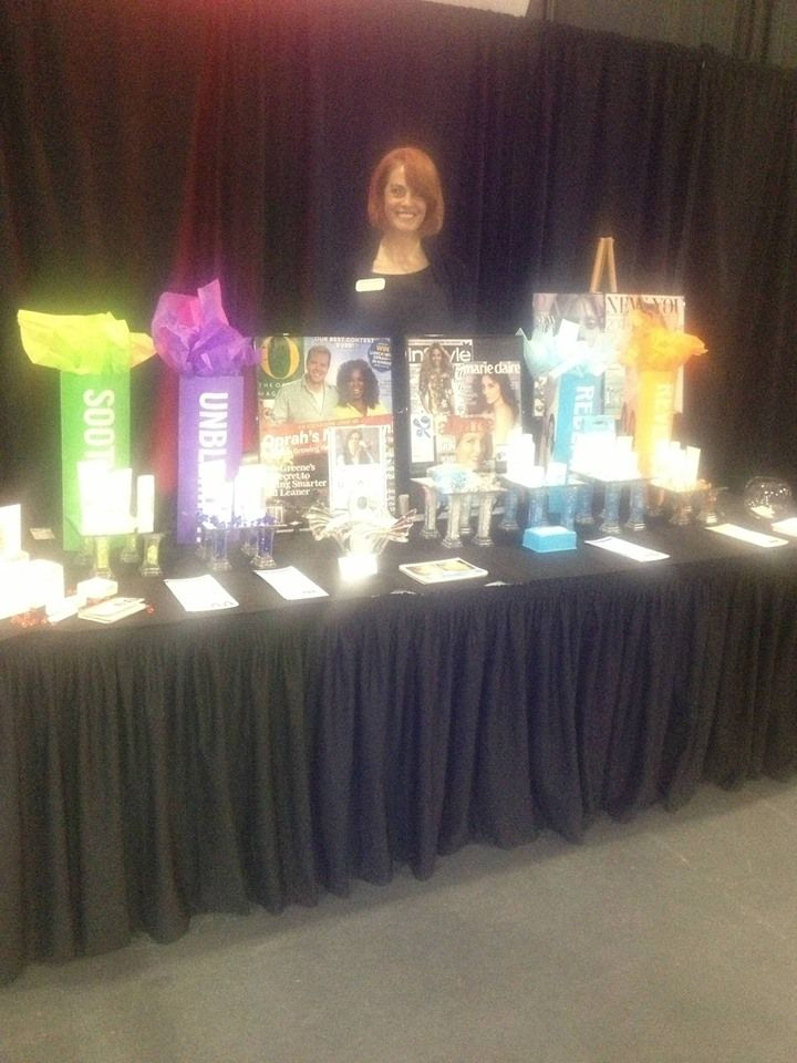 brenda lundahl working her holiday glow fabulous table top