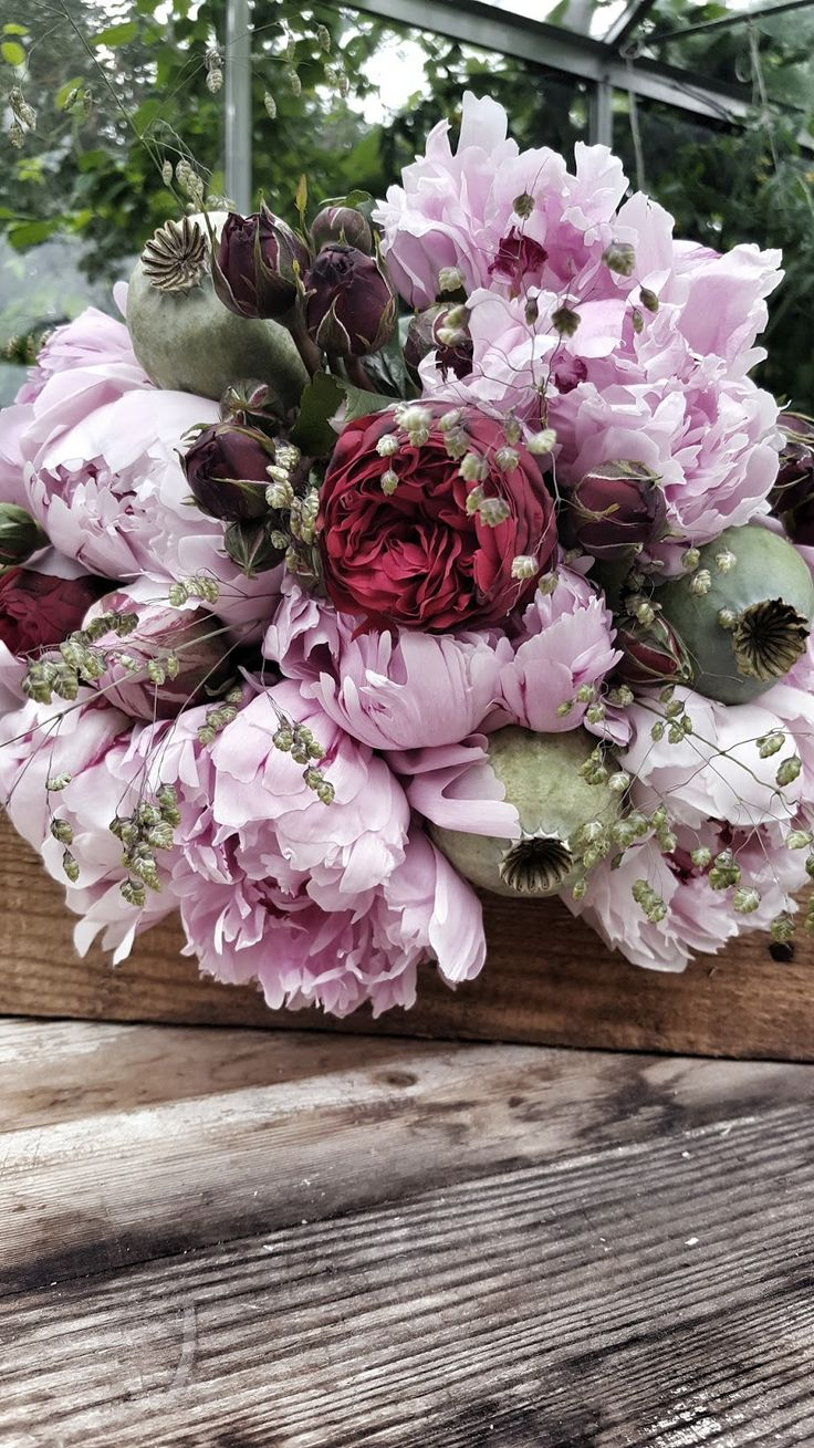 8 best flowers delivery in dubai images on pinterest floral rstidens bsta floral arrangementspeoniesfloristsbouquetcoffee izmirmasajfo Image collections