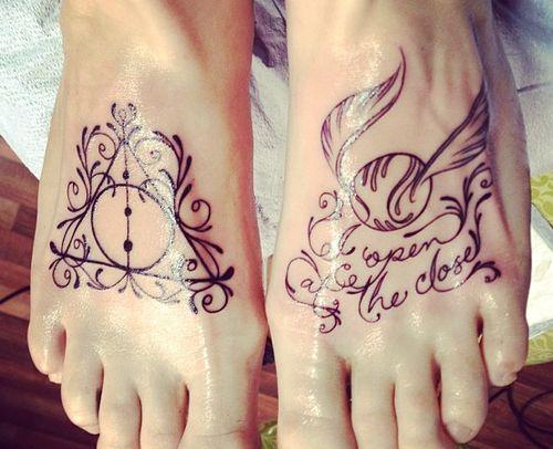 Tatuagem- inspiração Harry Potter   A galeria de tatuagens de hoje é especial para ospotterheads.  Se você, assim como eu, também é fã ...