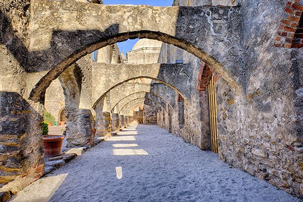 If your memories of San Antonio include a stop at the Alamo and a meal on the River Walk accented by colorful umbrellas and mariachi music, it's time to visit again.