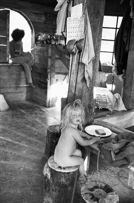 Henri Cartier-Bresson  //  USA. New Mexico. Near Taos. The Lama Foundation community. 1971.