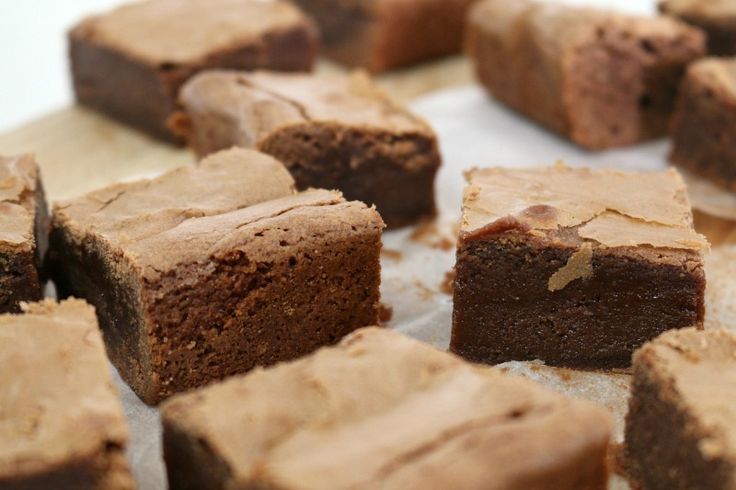 Rich and oh so yummy one bowl Thermomix Nutella Chocolate Brownies. Talk about drool worthy! #thermomix