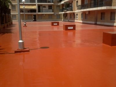 Fall has come and bulildings are highly exposed to rain and humidity. Take action now with Maris Polymers solid color waterproofing system to avoid any serious damage to your structure. #constructions #polyurethane #protection #marispolymers #waterproofing