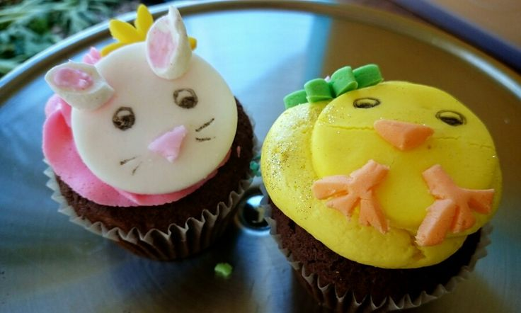 Handmade Easter Themed Fondant Pieces Cupcakes And Icing