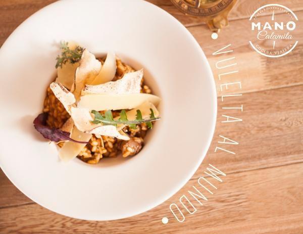 Ven a conocer #MANOCalamita, un restaurante que ofrece #cocinaviajera y un ambiente acogedor perfecto para compartir con amigos y familia