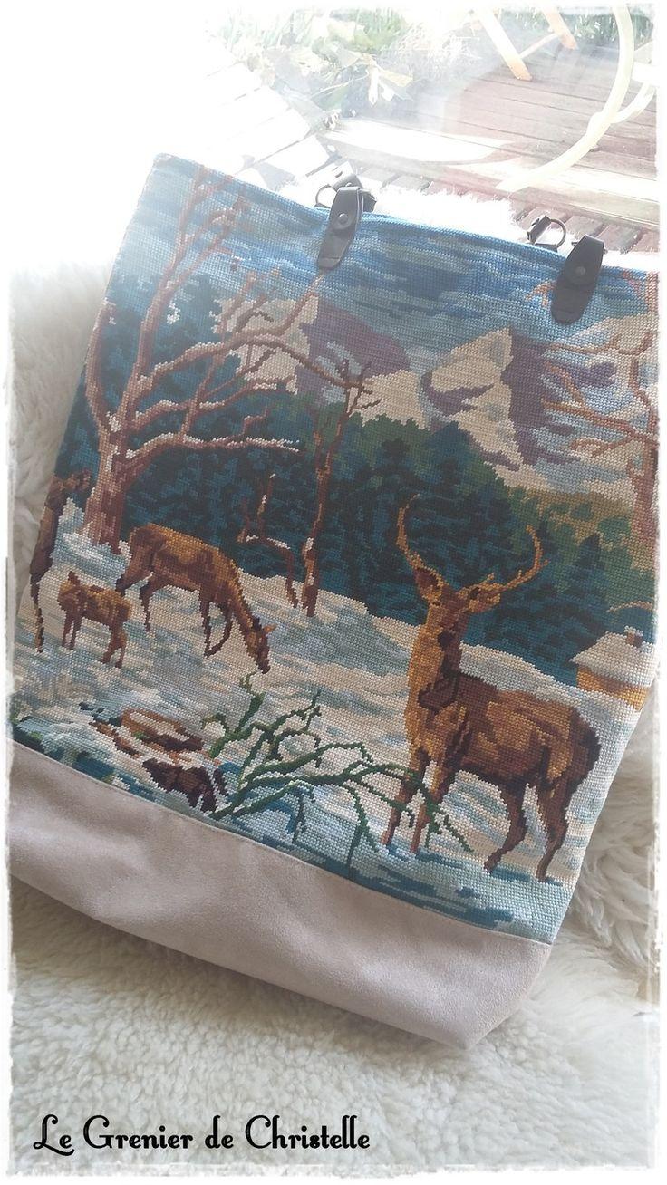 sac cabas avec ancien canevas : cerf dans la neige : Sacs à main par le-grenier-de-christelle