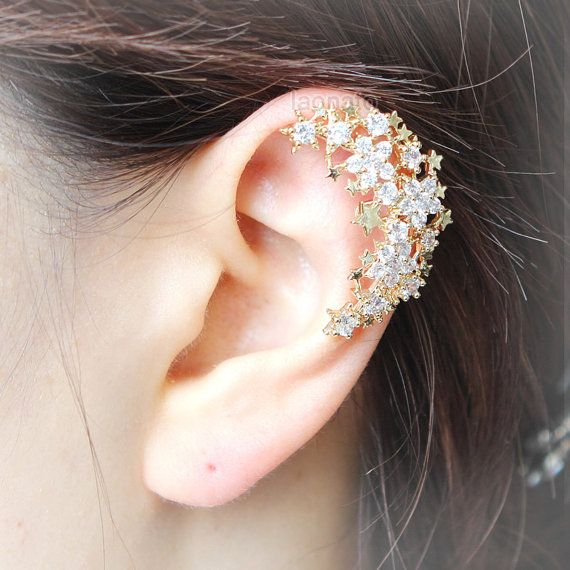 Crescent Moon with stars ear cuff / choose your color  by laonato