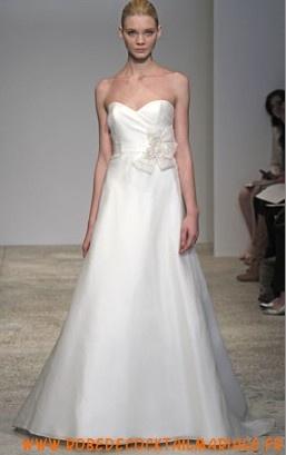 Acheter robe de mariée sans bretelle décolleté cœur en organdi