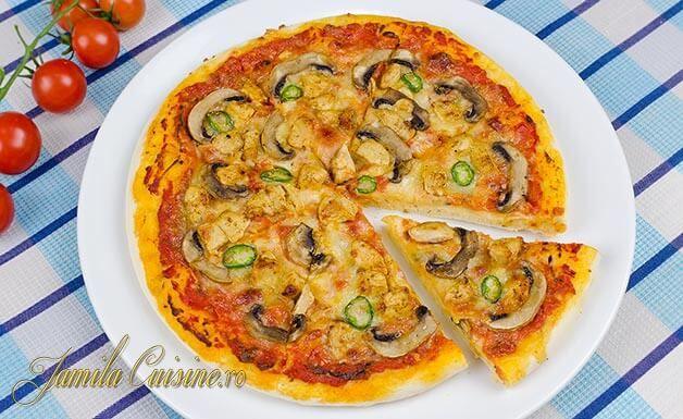 Pizza cu pui si ciuperci – reteta video