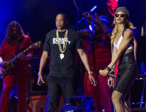 """Beyoncé Divorce:  Screaming Fight With Jay-Z Over """"That B***ch Rihanna""""   (full article at http ) 06.02.2015  """"Here We Go Again  When  Are They Gonna  Leave This Be """" ?"""