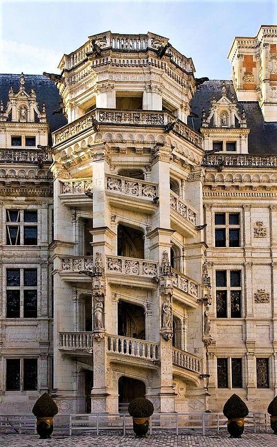 Chateau Royale de Blois, Loire Valley, France  flickr.com