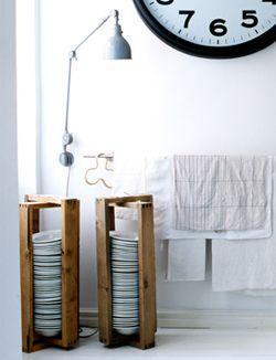DIY Plate holder - Bordenrek #borden. www.101woonideeen.nlCrafts Ideas, Diy Plates, Diy Crafts, Plates Holders, Towels Bar, Plates Storage, Wooden Frames, Plates Stuffed, Craft Ideas