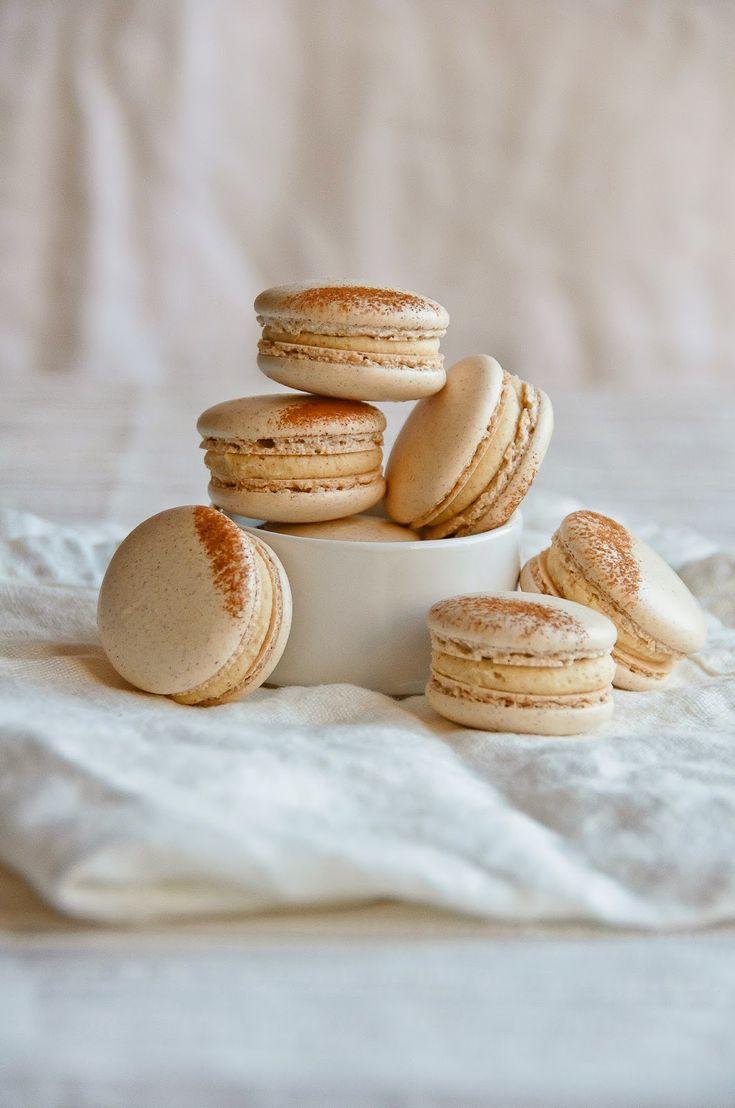 Hint of Vanilla: French Toast Macarons