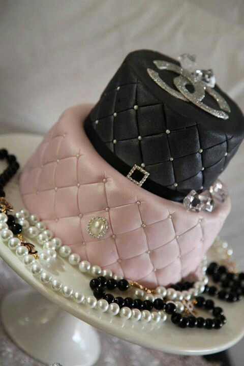 Drop-dead gorgeous Chanel cake... Chanel party? Bridal shower? My bday ? :D
