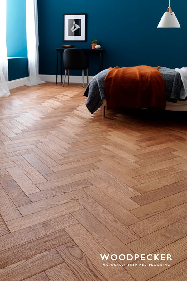 Snuggle up with the cosy feel of this Coffee Oak parquet flooring. Get a free sample at our website.