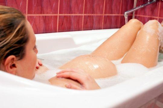 Mamiweb.de - Entspannungsbäder in der Schwangerschaft  #entspannungsbäder #entspannungsbad #schwangerschaft #schwanger #entspannung #entspannen #bad #baden