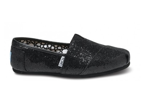Tom's Black Women's Glitter Flats: Women Glitter, Crochet Shoes, Glitter Toms, Glitter Shoes, Toms Outlet, Black Glitter, Toms Glitter, Black Toms, Black Women