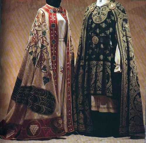 Reproduction of Medieval men's and women's costumes from the 1300s-1400s