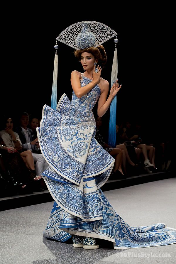 Style inspiration: Guo Pei Fashion Show – be completely wowed!