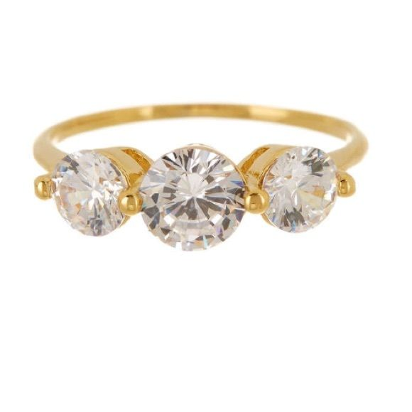 TRIPLE STONE RING GREAT CUBIC ZIRCONIA COSTUME RING. MAKES A NICE STATEMENT AND ACCESSORY PIECE. Jewelry Rings