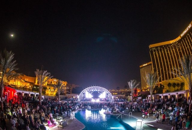 Daylight Beach Club & The Light Nightclub (Mandalay Bay - Las Vegas)