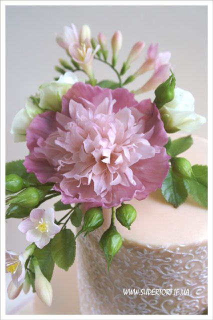 Sugar peony and freesias