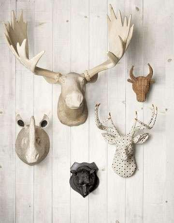 Een gewei aan de muur is ook gezellig, zeker met de herfst voor de deur. Bekijk 'Dieren collectie aan de muur' op Woontrendz.