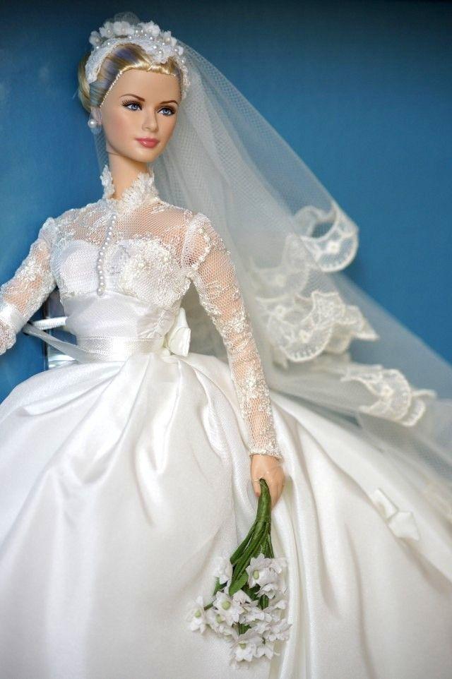 Grace Kelly wedding colletor Barbie
