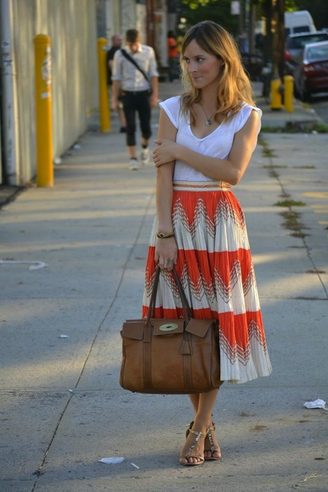 .: Midi Skirts, Full Skirts, Outfits, Fashion, Long Skirts, Summer Skirts, Leather Bags, Spring Style, Flowy Skirt