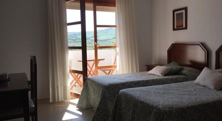 San Jose del Valle Facinas Set between two natural reserves, the Parque Natural del Estrecho and Los Alcornocales, this hotel boasts a beautiful natural setting, just a short drive from the beach.