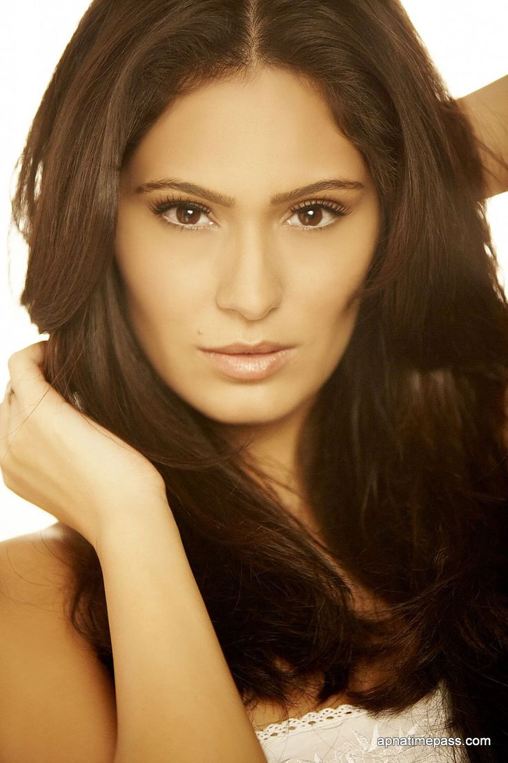 Bruna abdullah hot back bruna abdullah in short dress bruna abdullah - Bruna Abdullah Indian Model