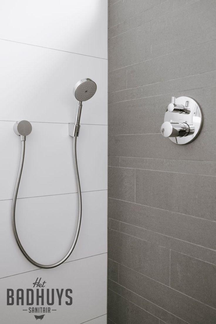 25 beste idee n over badkamer tegels ontwerpen op pinterest douche tegel ontwerpen douche - Mooie eigentijdse badkamer ...