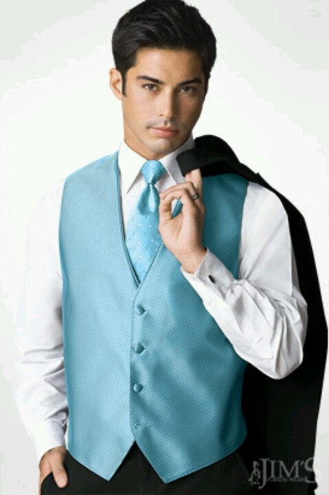 Half of the chambelanes will where a light blue vest with ... Quinceanera Chambelanes Tuxedos With Blue