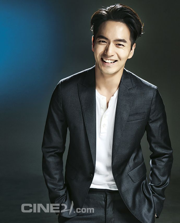Wonnie Come Back! More Of Lee Jin Wook For Cine21's Issue No. 1020 | Couch Kimchi