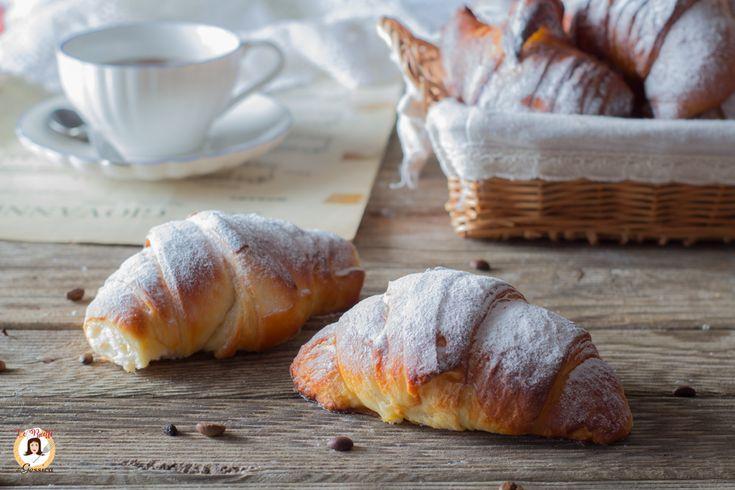 Cornetti+sfogliati+facili+-+Anche+Bimby+-+Croissant+Come+quelli+del+bar