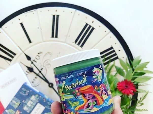Would you rather: be able to fly or breathe underwater? If I was in Neverland Id want to do both (but you must choose!)!!  Neverland Mist transports you into Neverland with its fragrance of sweet rainforest mist tropical fruits and fresh air!  Stunning shot by @okaysobooksically Welcome to the Spireside Family as our newest REP Andrew!! Tag us @spireside for a chance to be Featured!!    #spireside #spiresidecandles #peterpan #neverland #jmbarrie #tinkerbell #tink #captainhook #wendy…