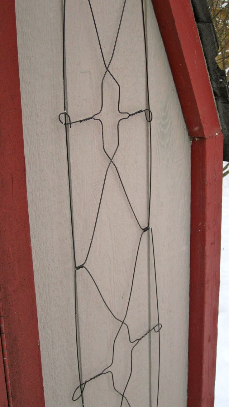 My Garden Diaries Trellis From Wire Coat Hangers