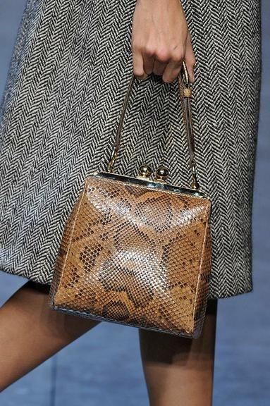 As 50 bolsas mais incríveis da Semana de Moda de Milão   Maroquinerie   Bags, Purse styles, Leather bag