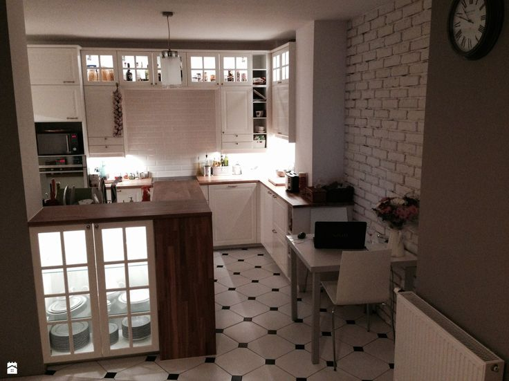 fajne oświetlenie kuchni bez okien  - zdjęcie od Remolacita - Kuchnia - Styl Klasyczny - Remolacita