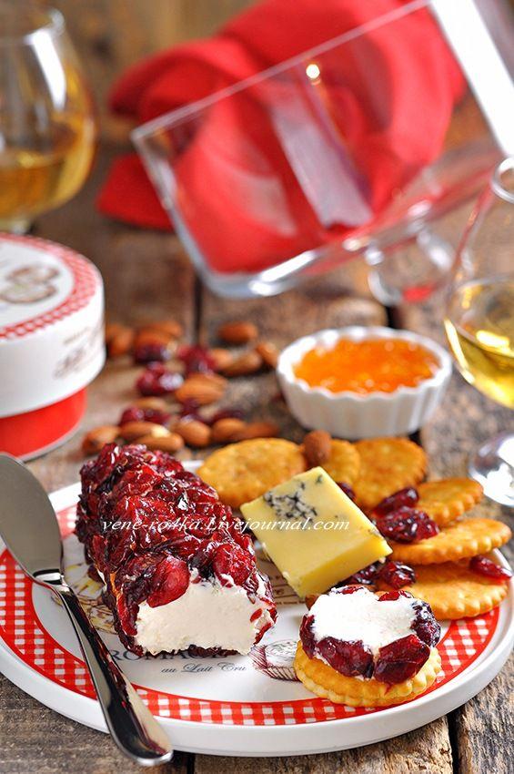 Впереди длинные новогодние праздники, застолья, тосты, вино рекой…и так почти 13 дней…))) Вы уже разрабатываете праздничное меню? Я ещё нет, но знаю точно, что…
