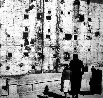 1955, Carlos Saura: Los corrales en Embajadores, Legazpi, Madrid