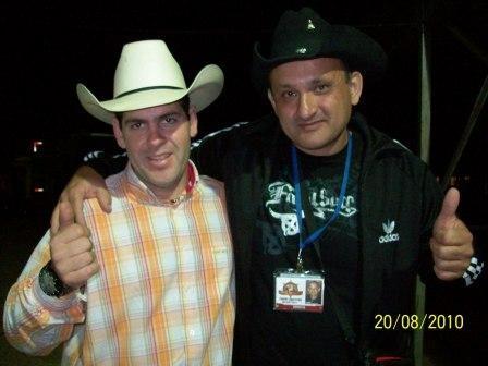 Camilo e o Locutor de Rodeio Augusto Cesar
